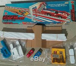 Hot Wheels Redline Flying Colors Double Dare Set complete with2 cars 1974