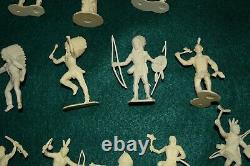 Marx Wagon Train 54 mm cream color Indians, complete set 15 figures & totem pole