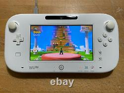 Nintendo Wii U Basic Set 8GB White Console Handheld System COMPLETE/TESTED/GAME