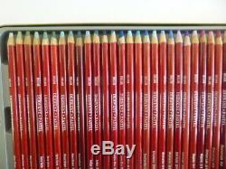 Derwent Crayons Pastel Ensemble Complet Non Utilisée De 72 Couleurs En Métal D'étain Graded