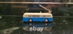 Ho Trolley Bus-new Complete Set-aristocraft/eheim (autres Couleurs Disponibles)