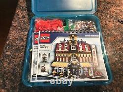 Lego Café Corner (10182) Complet, Mais Une Substitution De Couleur Lire
