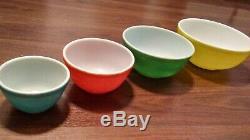 Set Complet De 4 Classic Vintage Couleurs Pyrex Primaires Saladiers Htf