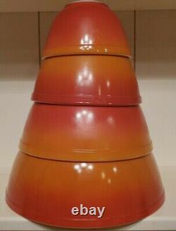 Vintage Pyrex Flameglo Bols De Mélange / Nipping Ensemble Complet De 4 Couleurs D'automne